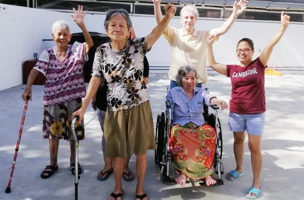 Seniors Morning Exercise 老年人早晨运动